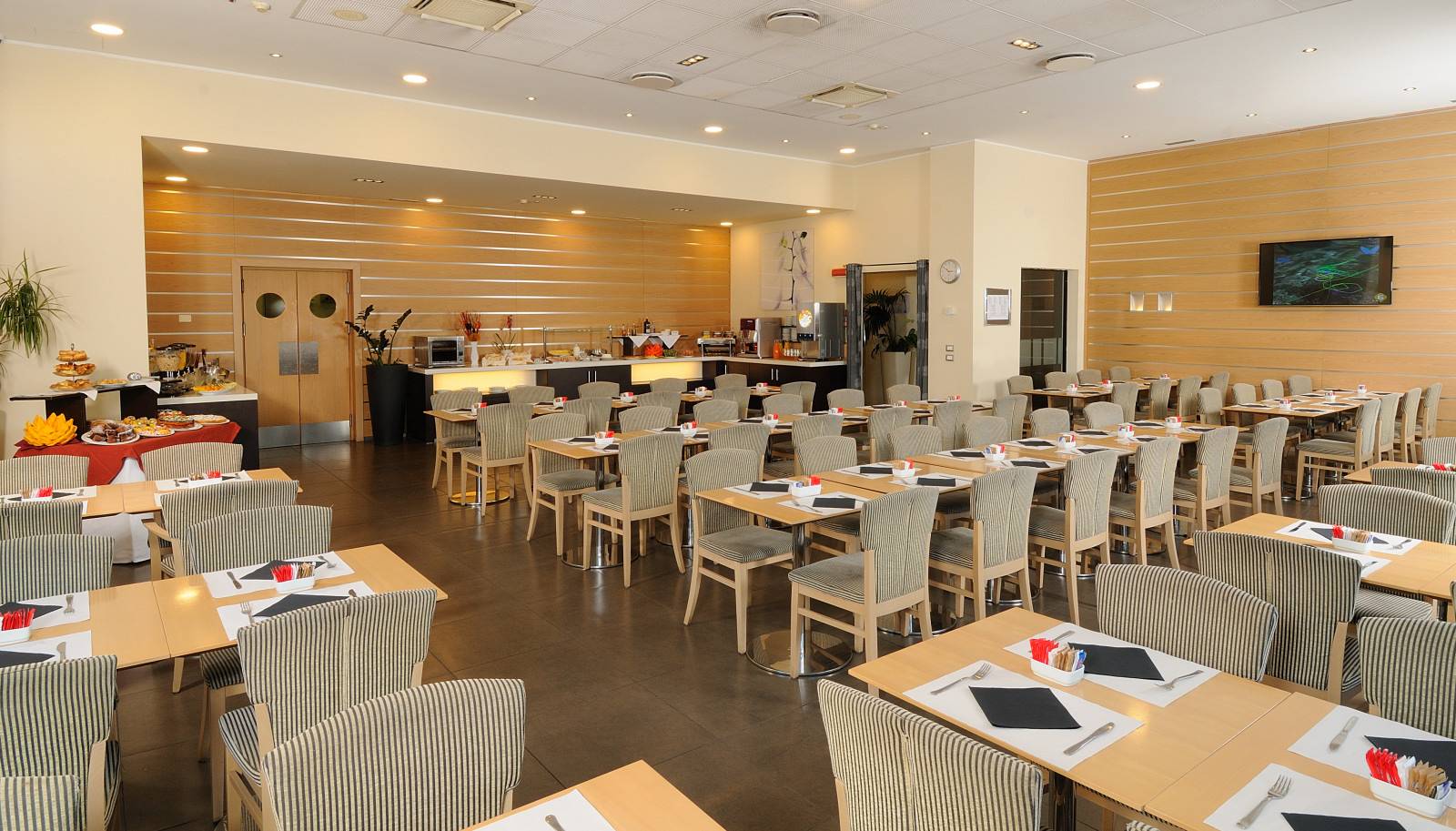 IH Hotels Milano Gioia - Breakfast room