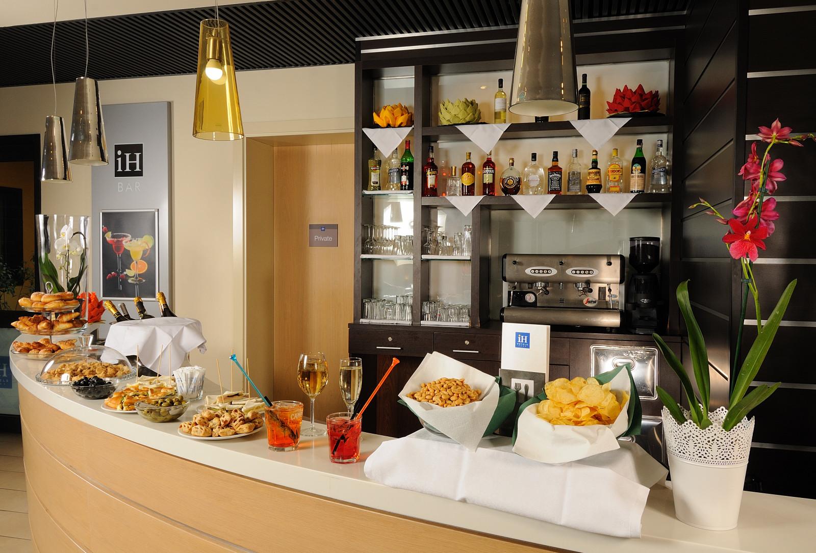 IH Hotels Milano Gioia - Lobby bar