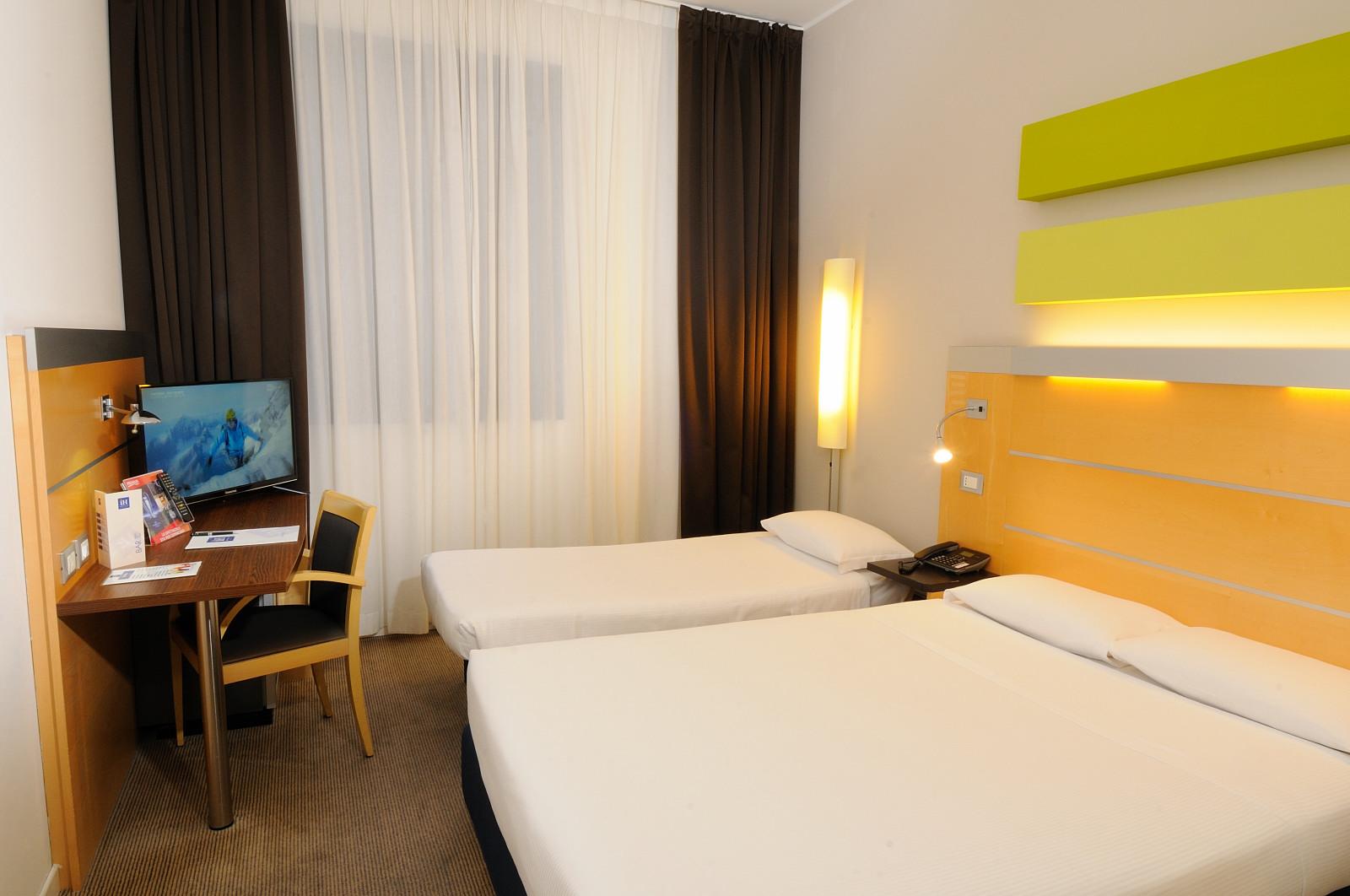 IH Hotels Milano Gioia - Triple Room